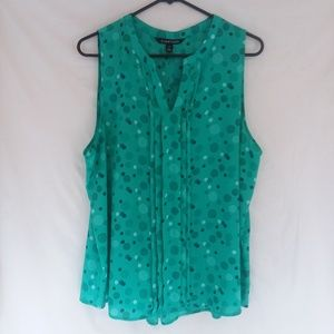 womens sleeveless blouse size XL